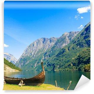Vinylová Fototapeta Cestovní ruch a cestování. Hory a fjord v Norsku.