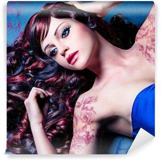 Vinylová Fototapeta Detailní model s krásnými kudrnatými vlasy barvy / haircolors