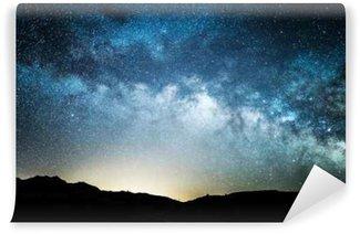 Fototapeta Winylowa Droga mleczna widziana z doliny śmierci w nocy