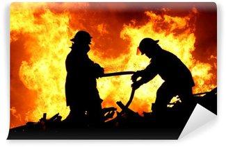 Vinylová Fototapeta Dva hasiči a plameny