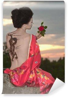 Vinylová Fototapeta Geisha s drakem tetování při západu slunce