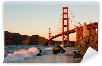 Fototapeta Winylowa Golden Gate Bridge w San Francisco o zachodzie słońca