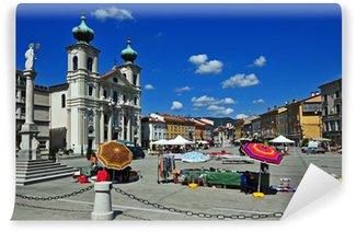 Fototapeta Winylowa Gorizia, targ antyków w Piazza della Vittoria