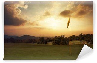 Vinylová Fototapeta Horské slunce na golfovém hřišti