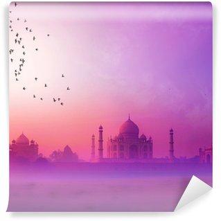 Vinylová Fototapeta Indie. Taj Mahal západ slunce silueta. Tajmahal palác v západu slunce sk
