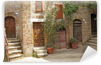 Vinylová Fototapeta Italština dvůr v toskánské vesnici