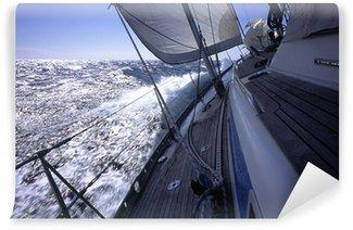 Fototapeta Winylowa Jacht pokonując po nawietrznej na Morzu Śródziemnym
