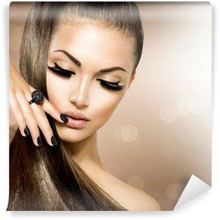 Vinylová Fototapeta Krása Modelka dívka s dlouhými hnědými vlasy zdravé