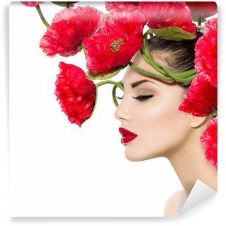 Vinylová Fototapeta Krása modelka žena s červený mák květiny ve vlasech