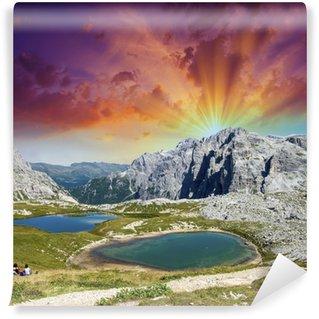 Vinylová Fototapeta Krásná jezera a vrcholky Dolomit. Letní západ slunce nad Alpami