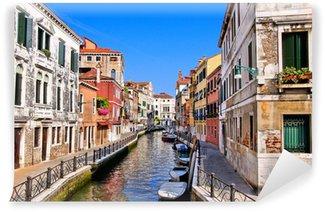 Vinylová Fototapeta Krásný výhled dolů na kanálech v Benátkách, Itálie