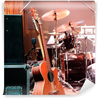 Vinylová Fototapeta Kytara a další hudební zařízení na jevišti před koncertem