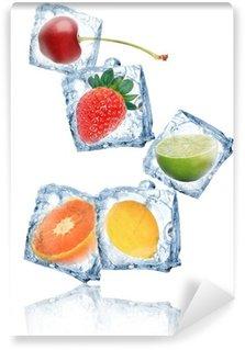 Vinylová Fototapeta Ledové kostky s ovocem