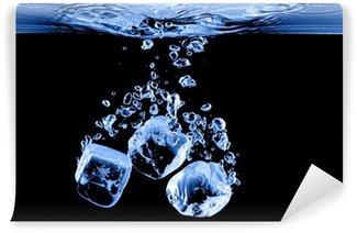 Vinylová Fototapeta Ledové kostky spadl do vody s Splash