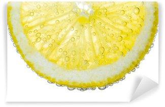 Vinylová Fototapeta Lemon Slice v Clear Fizzy vody bubliny na pozadí
