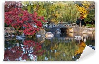 Vinylová Fototapeta Letní japonské krajiny s rybníkem a stromy