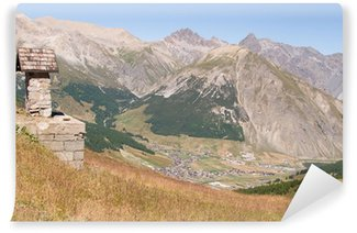Fototapeta Winylowa Livigno-view część schronu w Mottolino