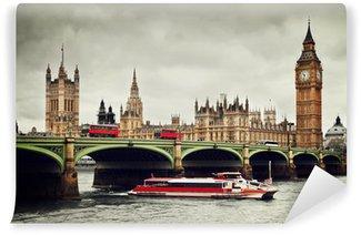 Vinylová Fototapeta Londýn, Velká Británie. Big Ben, řeka Temže, červené autobusy a lodí