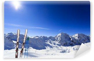Vinylová Fototapeta Lyžařské, zimní sezóna, hory a lyžařské zařízení