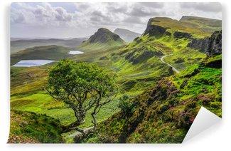 Vinylová Fototapeta Malebný pohled na Quiraing hor v Isle of Skye, skotský vysoká