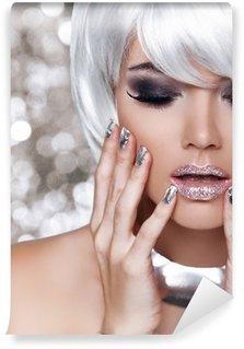 Vinylová Fototapeta Módní Blond Girl. Krása portrét ženy. Bílé krátké vlasy. Iso