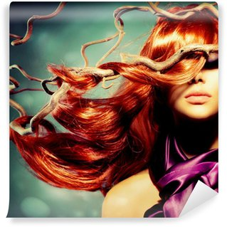 Vinylová Fototapeta Módní model Portrét ženy s dlouhými kudrnatými vlasy Red