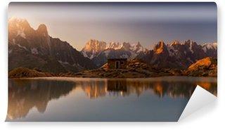 Vinylová Fototapeta Mont Blanc a Alpy odráží v jezeře White