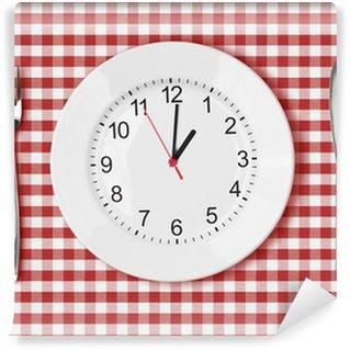 Vinylová Fototapeta Nůž, bílý talíř s ciferníkem a vidličkou na červeném piknikový stůl
