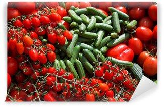 Vinylová Fototapeta Okurky a rajčata - čerstvé z trhu