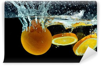 Vinylová Fototapeta Orange Fruit Splash na vodě