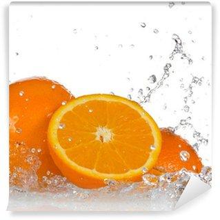 Vinylová Fototapeta Oranžové ovoce a stříkající vodě