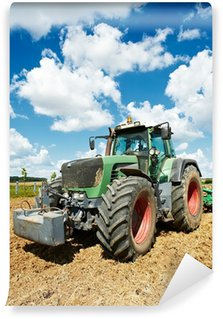 Vinylová Fototapeta Orba traktorem při práci na poli pěstování