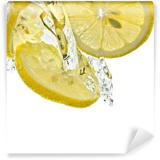 Vinylová Fototapeta Plátky citronu ve vodě splash, bílém pozadí, samostatný