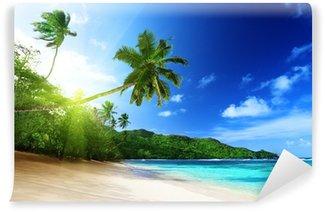 Vinylová Fototapeta Pláž v době západu slunce na ostrově Mahé na Seychelách