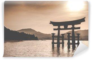 Vinylová Fototapeta Plovoucí Otorii brána v Miyajima, Japonsko.