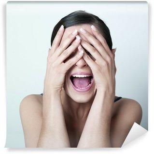 Fototapeta Vinylowa Przestraszony ręce kobieta na jej twarzy
