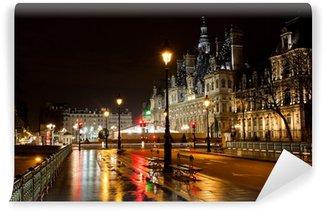 Vinylová Fototapeta Radnice v Paříži v noci