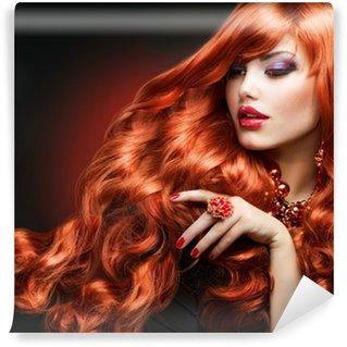 Vinylová Fototapeta Red Hair. Módní dívka portrét. dlouhé kudrnaté vlasy