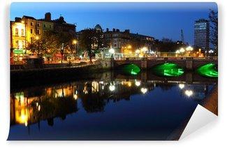 Vinylová Fototapeta Řeka Liffey v Dublinu za soumraku