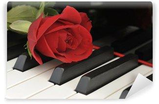 Vinylová Fototapeta Rote Rose auf Klavier