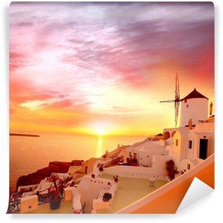 Vinylová Fototapeta Santorini se starým Větrný mlýn v Oia vesnice, Řecko