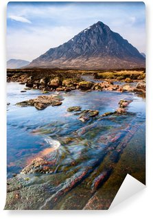 Vinylová Fototapeta Skotská vysočina krajinka s horami a řekou