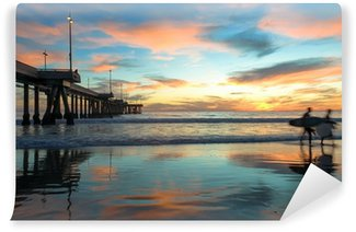 Vinylová Fototapeta Spectacular Sunset s Surfaři na Venice Beach v Kalifornii