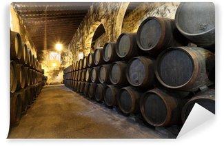 Vinylová Fototapeta Staré víno sklep s dřevěnými sudy