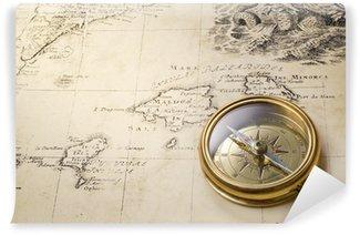 Fototapeta Vinylowa Stary kompas i liny na mapie rocznika 1732
