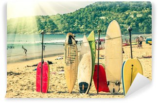 Vinylová Fototapeta Surfy na pláži - Nostalgický retro verze