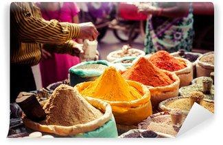 Vinylová Fototapeta Tradiční koření a suché plody v místním bazaru v Indii.