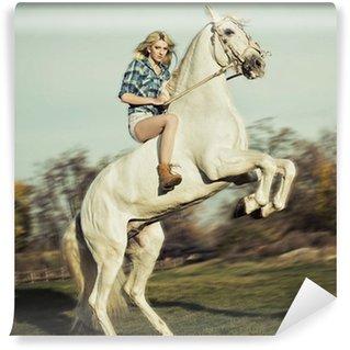 Vinylová Fototapeta Vážné blondýnka jezdecké koně