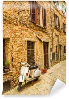 Vinylová Fototapeta Vespa v malé uličce na Starém Městě, v Itálii