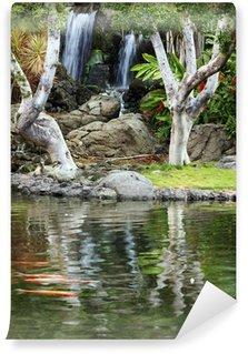 Vinylová Fototapeta Vodopád a koi rybník v japonské zahradě
